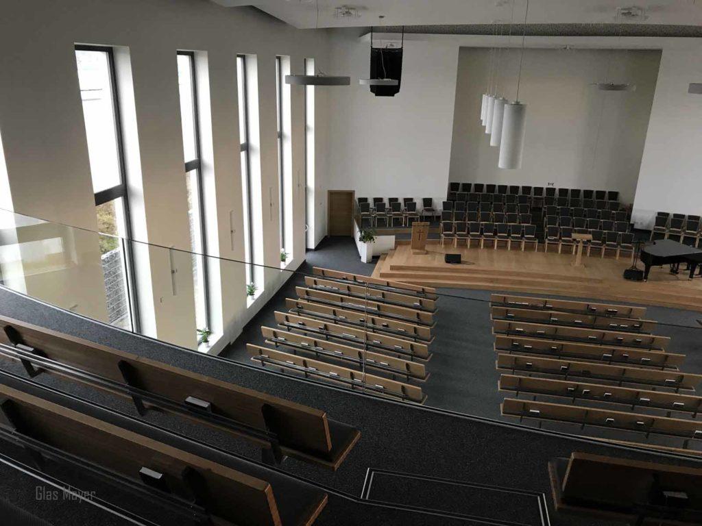 Glas Geländer Kirche Absturzsicherung digitales Aufmaß