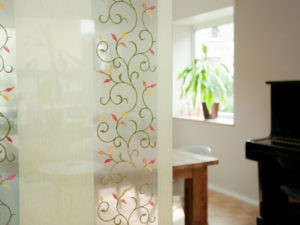 Verbundglas Designglas Textil Inlay Innenausbau Trennwand Glastür